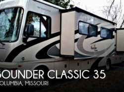 Used 2011  Fleetwood Bounder Classic 35 by Fleetwood from POP RVs in Sarasota, FL