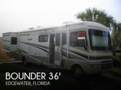 Used 2005  Fleetwood Bounder M36Z Workhorse by Fleetwood from POP RVs in Sarasota, FL
