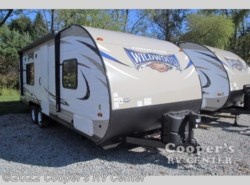 New 2017  Forest River Wildwood X-Lite 241QBXL by Forest River from Cooper's RV Center in Apollo, PA