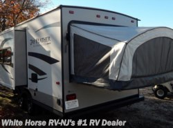 Used 2015  Jayco Jay Feather Ultra Lite X20E Double Bed Ends, Sofa Slide by Jayco from White Horse RV Center in Williamstown, NJ