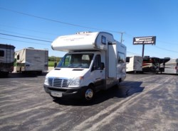 Used 2008  Gulf Stream Vista Cruiser 4230 by Gulf Stream from Winnebago Motor Homes in Rockford, IL