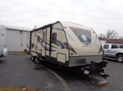 Used 2015  CrossRoads Sunset Trail Super Lite ST250RB by CrossRoads from Winnebago Motor Homes in Rockford, IL