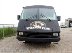 Used 1995  Triple E RV Empress 3601 by Triple E RV from Bourbon RV Center in Bourbon, MO