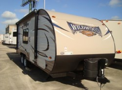 New 2017  Forest River Wildwood X-Lite 201BHXL by Forest River from Camperland Trailer Sales in Conroe, TX