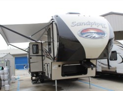 New 2017  Forest River Sandpiper 3350BH by Forest River from Camperland Trailer Sales in Conroe, TX