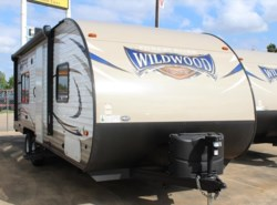 New 2017  Forest River Wildwood X-Lite 241QBXL by Forest River from Camperland Trailer Sales in Conroe, TX