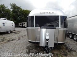 New 2018 Airstream Classic 33FB available in Louisville, Tennessee