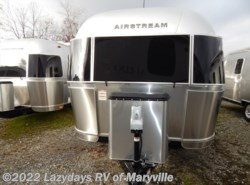 New 2018 Airstream Flying Cloud 30RBQ available in Louisville, Tennessee