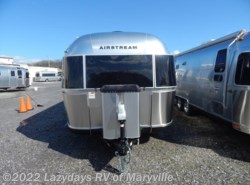 New 2018 Airstream Classic 30RB available in Louisville, Tennessee