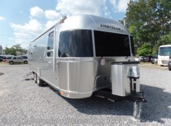 New 2017  Airstream International Signature 27FB Queen by Airstream from Colonial Airstream & RV in Lakewood, NJ