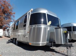 Used 2014  Airstream International Signature 23FB Queen by Airstream from Colonial Airstream & RV in Lakewood, NJ