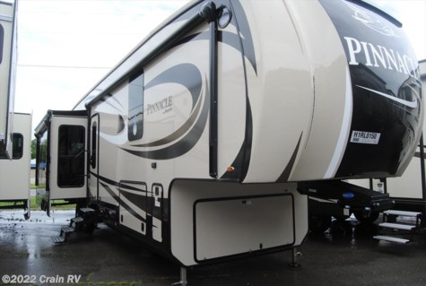 2017 Jayco Pinnacle 36FBTS w/Generator