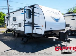 New 2018  Keystone Outback ultra lite 250URS by Keystone from Curtis Trailers in Portland, OR