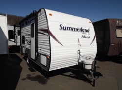 Used 2016  Keystone Springdale Summerland Mini 1600BH by Keystone from Diamond RV Centre, Inc. in West Hatfield, MA