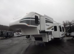 Used 2006  Glendale RV Titanium 36E41MPRV by Glendale RV from Diamond RV Centre, Inc. in West Hatfield, MA
