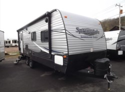 New 2017  Keystone Springdale Summerland 2200MB by Keystone from Diamond RV Centre, Inc. in West Hatfield, MA