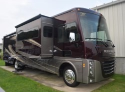 Used 2017  Winnebago Sightseer 35G by Winnebago from Diamond RV Centre, Inc. in West Hatfield, MA