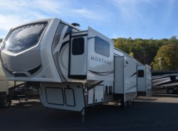 New 2018  Keystone Montana 3731FL by Keystone from Diamond RV Centre, Inc. in West Hatfield, MA
