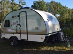 Used 2017  Forest River R-Pod RP-172 by Forest River from Diamond RV Centre, Inc. in West Hatfield, MA
