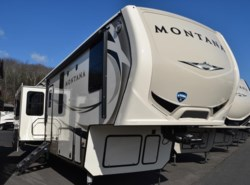 New 2018  Keystone Montana 3791RD by Keystone from Diamond RV Centre, Inc. in West Hatfield, MA