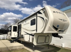 New 2018 Keystone Montana 3720RL available in West Hatfield, Massachusetts