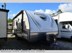 Used 2017  Coachmen Freedom Express 204RD by Coachmen from Dick Gore's RV World in Saint Augustine, FL