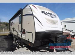 New 2017  Cruiser RV Radiance Ultra Lite 25RL by Cruiser RV from ExploreUSA RV Supercenter - KYLE, TX in Kyle, TX