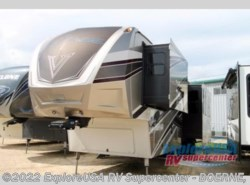 New 2017  Dutchmen Voltage V3990 by Dutchmen from ExploreUSA RV Supercenter - BOERNE, TX in Boerne, TX