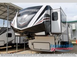 New 2017  Grand Design Momentum 376TH by Grand Design from ExploreUSA RV Supercenter - BOERNE, TX in Boerne, TX
