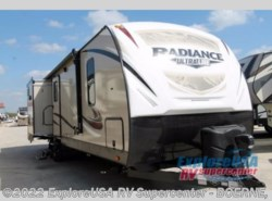 New 2018  Cruiser RV Radiance Ultra Lite 33TS by Cruiser RV from ExploreUSA RV Supercenter - BOERNE, TX in Boerne, TX