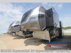 New 2017  Dutchmen Voltage V3970 by Dutchmen from ExploreUSA RV Supercenter - BOERNE, TX in Boerne, TX