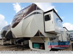 Used 2015  Heartland RV Landmark 365 Savannah