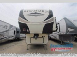 New 2018  Heartland RV Bighorn Traveler 32RS by Heartland RV from ExploreUSA RV Supercenter - DENTON, TX in Denton, TX