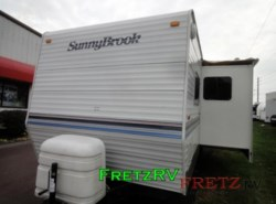 Used 2005  SunnyBrook Solanta 3310 by SunnyBrook from Fretz  RV in Souderton, PA