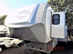 Used 2015  Highland Ridge  Highland Ridge 3X 388RKS by Highland Ridge from Fretz  RV in Souderton, PA