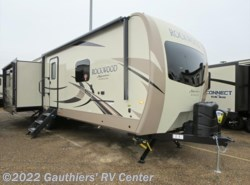 New 2018  Forest River Rockwood Signature Ultra Lite 8329SS by Forest River from Gauthiers' RV Center in Scott, LA