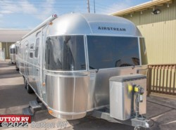Used 2014 Airstream Flying Cloud 30 available in Eugene, Oregon