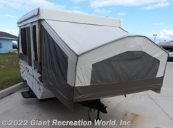 Used 2008  Forest River Rockwood M-1940 by Forest River from Giant Recreation World, Inc. in Palm Bay, FL