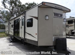 Used 2017  Forest River Wildwood 4002Q by Forest River from Giant Recreation World, Inc. in Palm Bay, FL