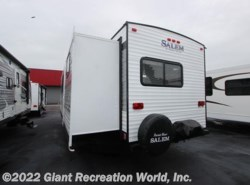 New 2017  Forest River Salem 28CKDS by Forest River from Giant Recreation World, Inc. in Winter Garden, FL