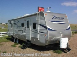 Used 2013  CrossRoads  31SB ZINGER by CrossRoads from Hawleywood RV Ranch in Dodge City, KS