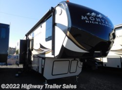 New 2018  Keystone Montana High Country 305RL by Keystone from Highway Trailer Sales in Salem, OR
