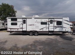 Used 2015  Forest River Rockwood Signature Ultra Lite 8311SS by Forest River from House of Camping in Bridgeview, IL