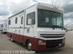 Used 2015  Winnebago Brave 27B by Winnebago from I-35 RV Center in Denton, TX