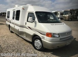 Used 2001  Winnebago Rialta 22QD by Winnebago from I-35 RV Center in Denton, TX