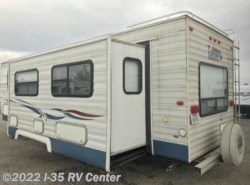 Used 2003  Tahoe  25RL by Tahoe from I-35 RV Center in Denton, TX