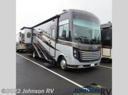 Used 2014  Holiday Rambler Vacationer SE 33SFD by Holiday Rambler from Johnson RV in Sandy, OR