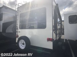 Used 2015 Dutchmen Denali Fifth Wheel 262RLX available in Sandy, Oregon