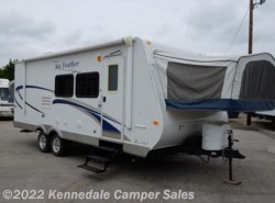 Used 2010  Jayco Jay Feather EXP 23 J 25' by Jayco from Kennedale Camper Sales in Kennedale, TX