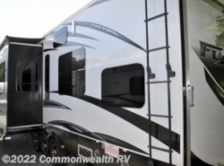 Used 2014  Keystone Fuzion M390 by Keystone from Commonwealth RV in Ashland, VA